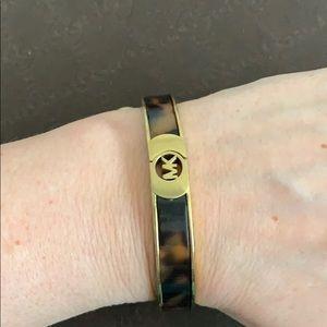 ML bracelet